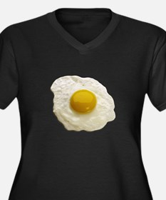 Egg on My Women's Plus Size V-Neck Dark T-Shirt