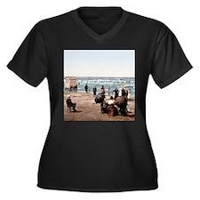 Vintage Beach Scene Women's Plus Size V-Neck Dark