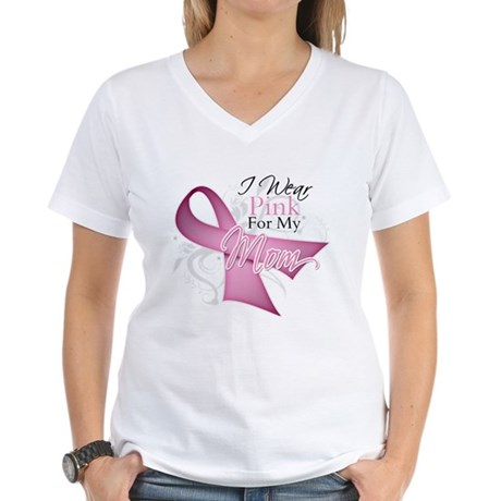 I Wear Pink For My Mom Women's V-Neck T-Shirt