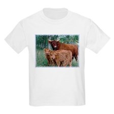 Two highland calves with mama cow T-Shirt