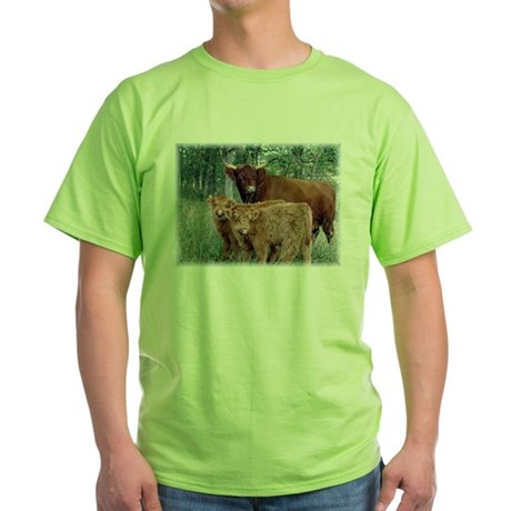 Two highland calves with mama cow Green T-Shirt