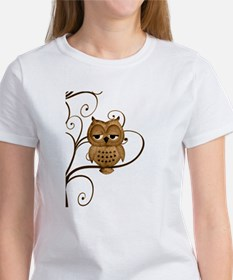 Brown Swirly Tree Owl Women's T-Shirt