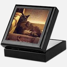 Burmese Cat, Gold Filter, Reclining Keepsake Box