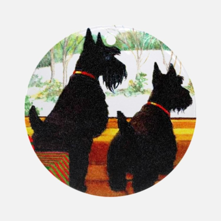 A Scottie Christmas Ornament (Round)