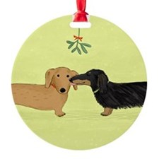 Dachshund Christmas Kiss Ornament