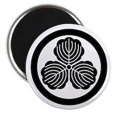 three oak leaves in circle Magnet