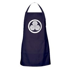 three oak leaves in circle Apron (dark)