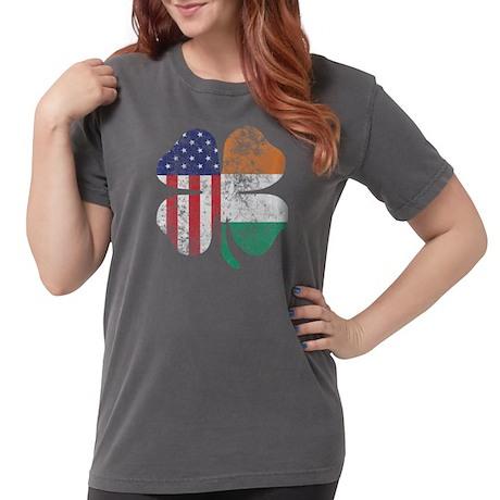 Irazu Volcano Women's Plus Size Scoop Neck T-Shirt