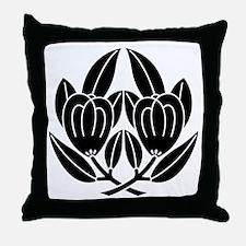 daki tachibana Throw Pillow