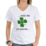 Kiss me Women's V-Neck T-Shirt