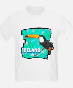 iceland puffin art illustration T-Shirt