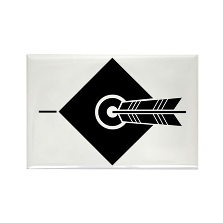 Arrow hit a target Rectangle Magnet (100 pack)