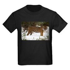 Tiger Standing in Snow Kids Dark T-Shirt