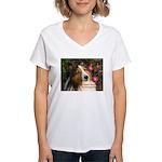 A heart that loves Women's V-Neck T-Shirt
