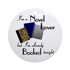 Novel Lover Ornament (Round)