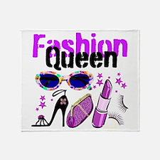 FASHION QUEEN Throw Blanket