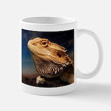.young bearded dragon. Mug