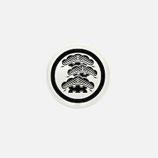Three-tiered pine R with arashi in circle Mini But