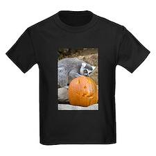 Lemur With Pumpkin Kids Dark T-Shirt