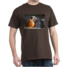 Lemur Looking into Pumpkin Dark T-Shirt