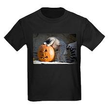 Lemur Looking into Pumpkin Kids Dark T-Shirt