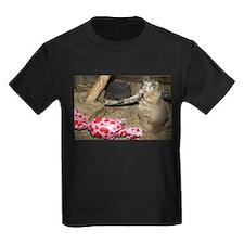 Chipmunk With Present Kids Dark T-Shirt