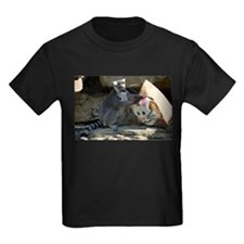 Lemur With Easter Bag Kids Dark T-Shirt