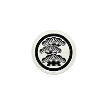 Three-tiered pine L in circle Mini Button