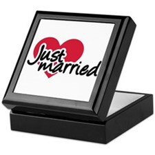 Just married red heart Keepsake Box