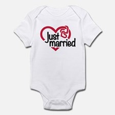 Just married heart Infant Bodysuit