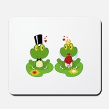 cute bride and groom froggy frog couple Mousepad