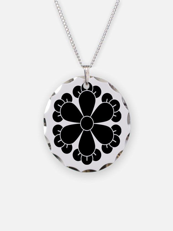 Six cloves Necklace