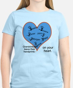 Handprints on your heart - 7 kids T-Shirt