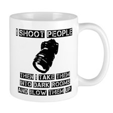 I-shoot-people2 Mugs