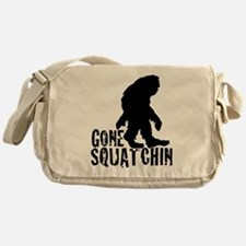 Gone Squatchin print 3 Messenger Bag
