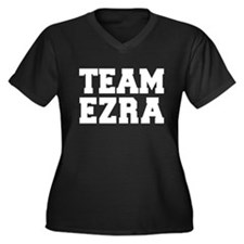 TEAM EZRA Women's Plus Size V-Neck Dark T-Shirt