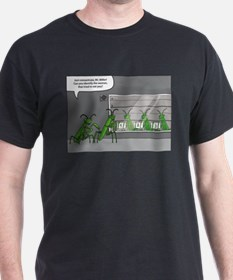 mantis identification T-Shirt