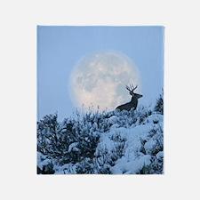 Buck deer moon Throw Blanket
