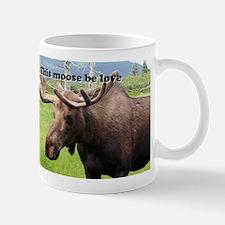 This moose be love: Alaskan moose Mug