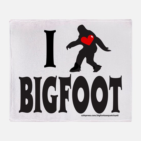 I HEART/LOVE BIGFOOT Throw Blanket