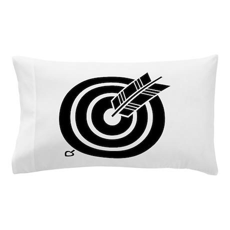 Arrow hit a round target Pillow Case