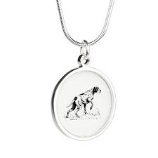 Pointer Silver Round Necklace