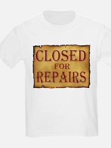 CLOSED SIGN T-Shirt