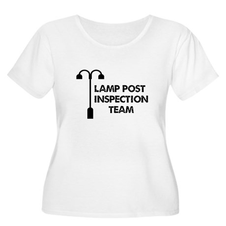 Lamp Post Inspection Team Women's Plus Size Scoop