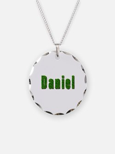 Daniel Grass Necklace