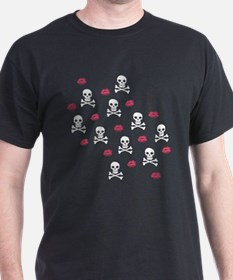 Skulls And Kisses T-Shirt