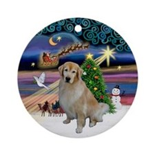 Xmas Magic & Golden Retriever (B) Ornament (Round)