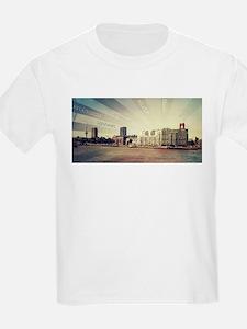 China light, China Boat, China Container T-Shirt