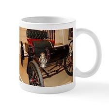1902 Curvy Mug