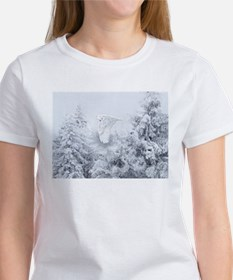 Snowy Owl in Blizzard Tee
